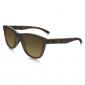 Oakley MOONLIGHTER Sunglasses - Tortoise / Brown Gradient Polarized